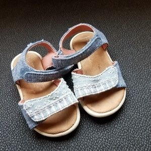 Denim TOMS size 4T in great condition!